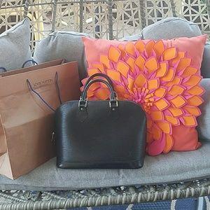 Authentic Louis Vuitton EPI Alma